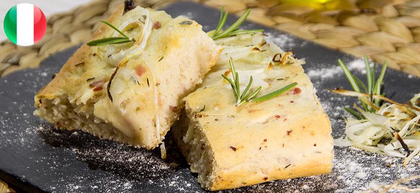 Focaccia de beicon con queso y cebolla