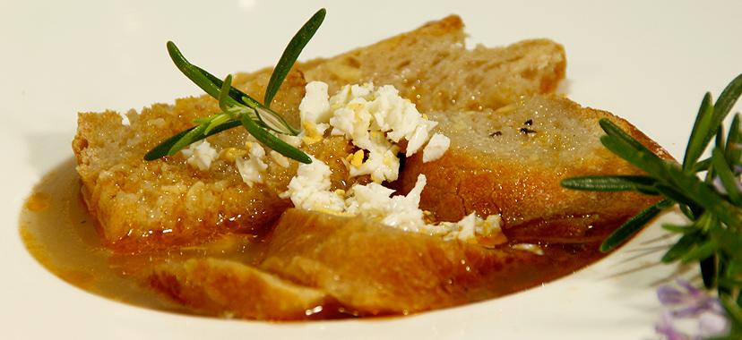 Sopa de ajo (sopa castellana)