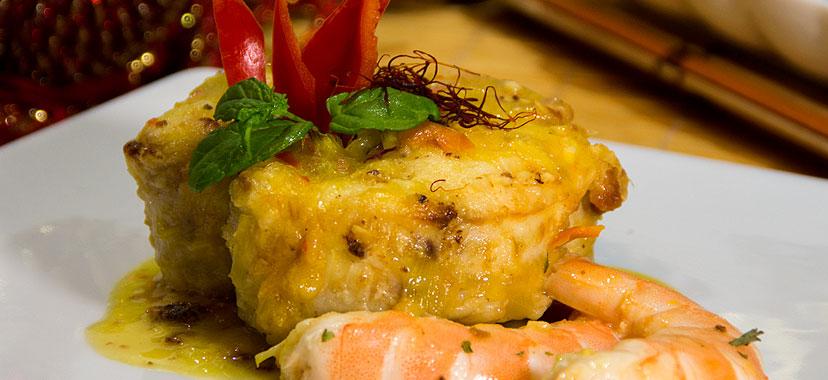 Merluza en salsa de langostinos