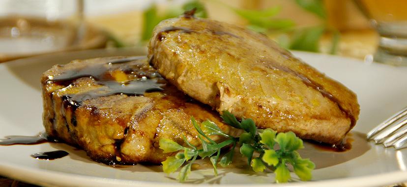 Atún marinado en salsa de soja y miel