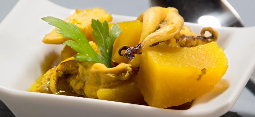 Patatas con choco al estilo de Huelva