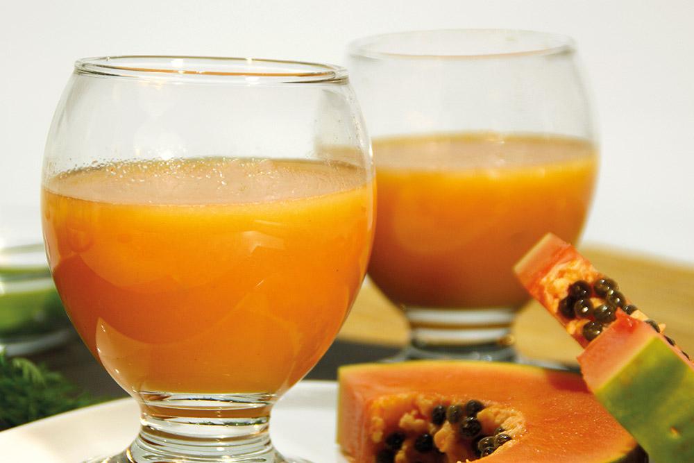 Zumo de papaya, uvas y maracuyá