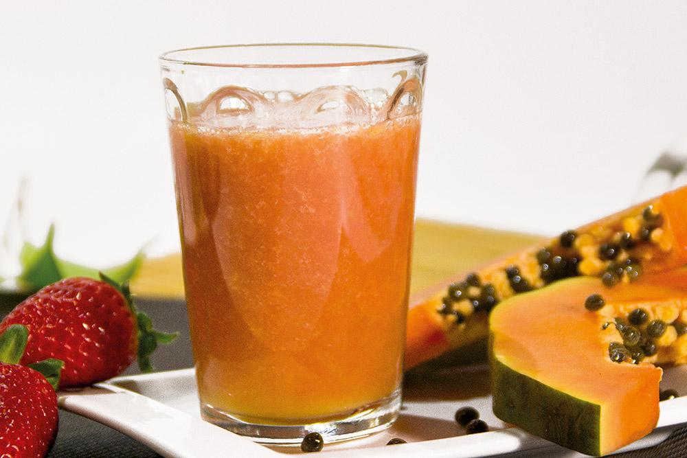 Zumo de pomelo, fresa y papaya