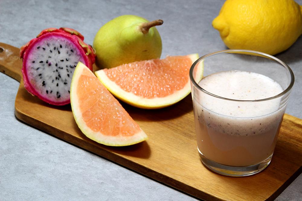 Zumo de pitahaya con pomelo y pera