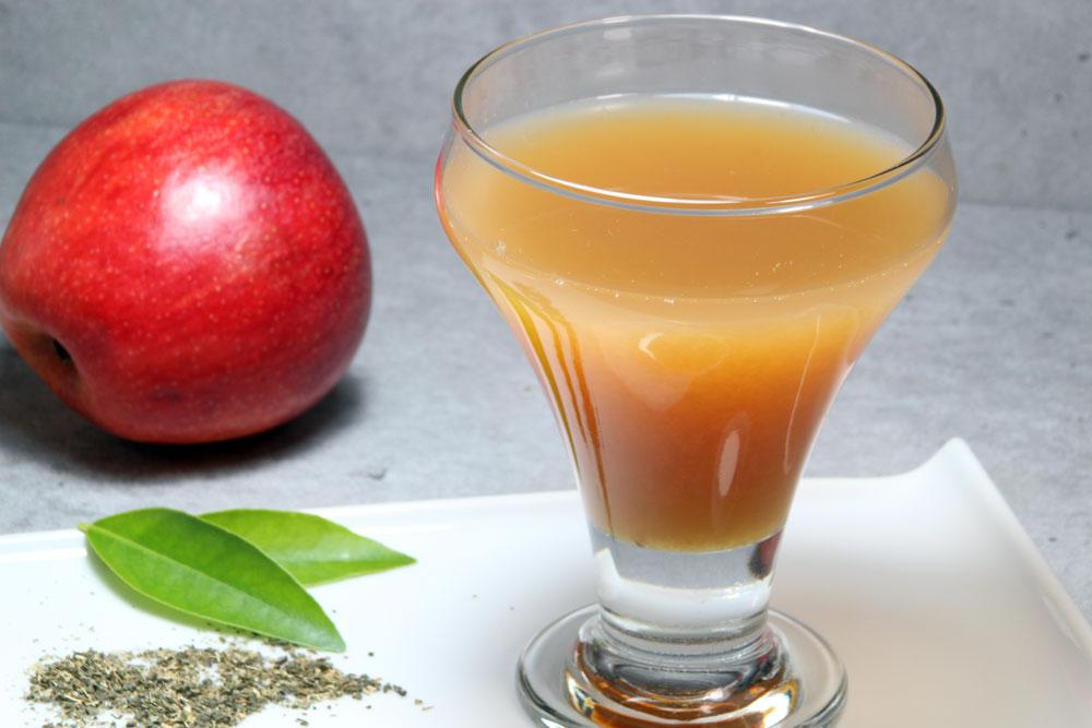 Manzana con infusión de hojas de naranja (para conciliar el sueño)